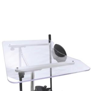 Прозрачный столик с увеличенными размерами вместе с откидывающейся передней частью тренажера
